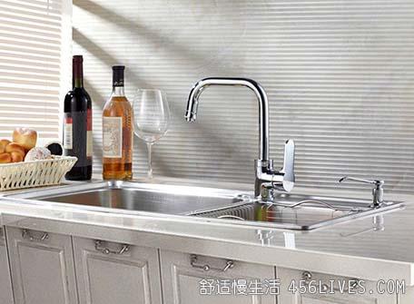 洗碗槽必须定期清洁